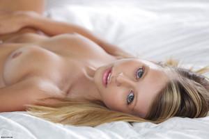 X-Art Model Lauren