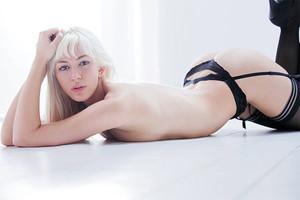 X-Art Model Summer
