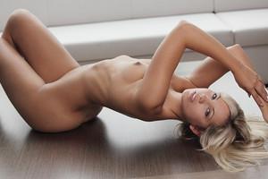 X-Art Model Jenni