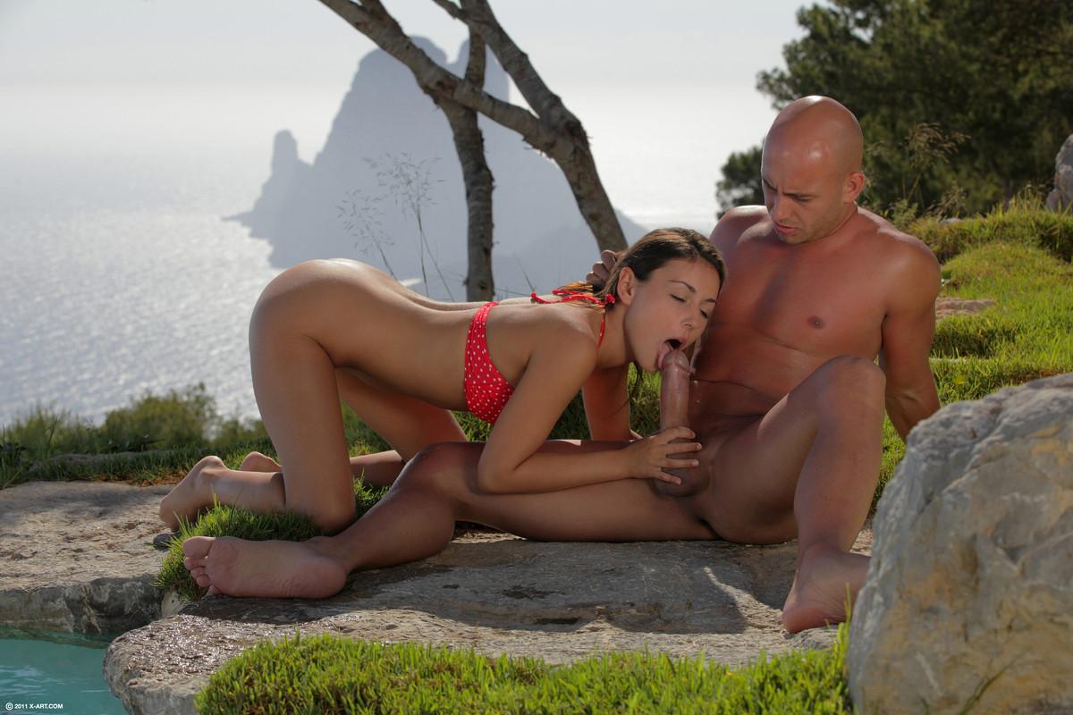 Женщине засунули палец в жопу порно желаешь